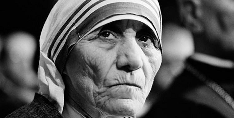 20 Mātes Terēzes baušļi, kas iedvesmos