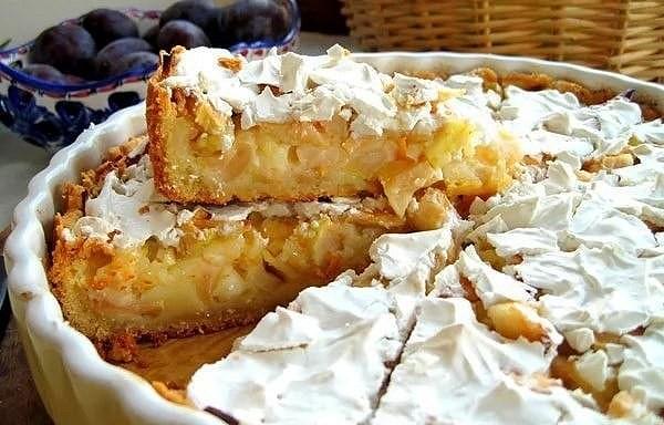 Ābolu pīrāgs, kas burtiski kūst mutē! Unikāla recepte