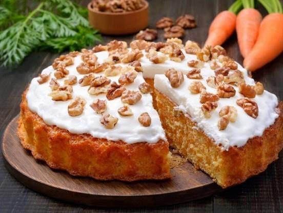 Pareizā burkānu torte ar maigu biezpiena krēmu. Īpaši garda un veselīga!