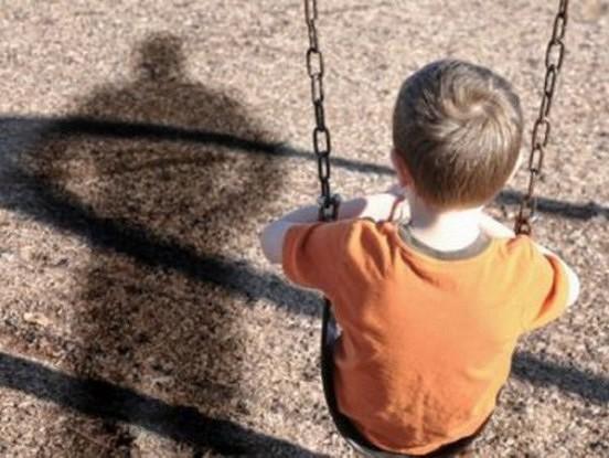 Svešinieks centās nolaupīt zēnu, taču apstulba brīdī kad zēns pateica trīs vārdus!