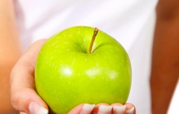 Astoņi iemesli, lai ēstu ābolus katru dienu.