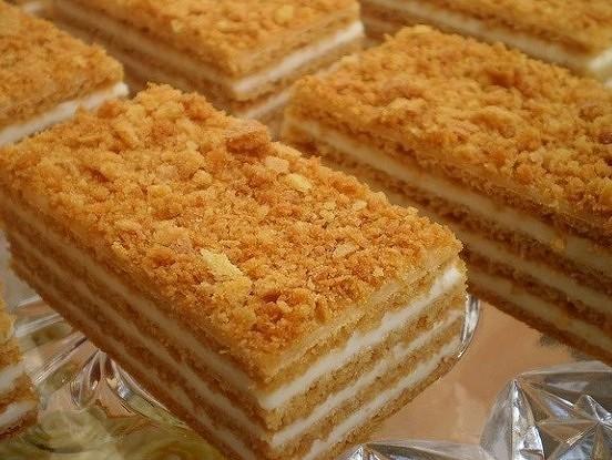 Brīnumgarda torte bez cepšanas: grezns deserts, kas neaizņems daudz laika!