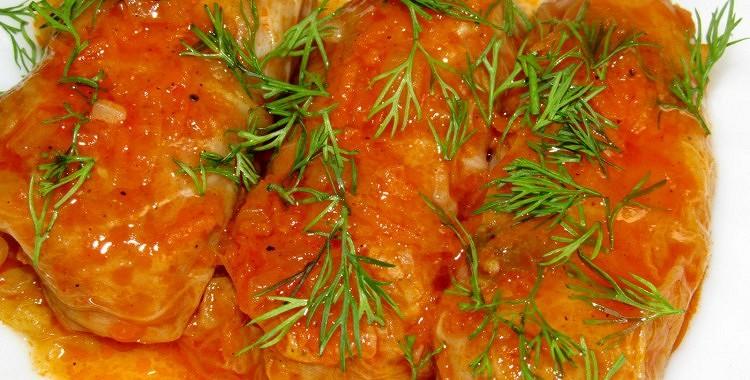 Kāpostu tīteņi cepeškrāsnī. Aizkarpatu recepte – garšīgāki, nekā parastie tīteņi!