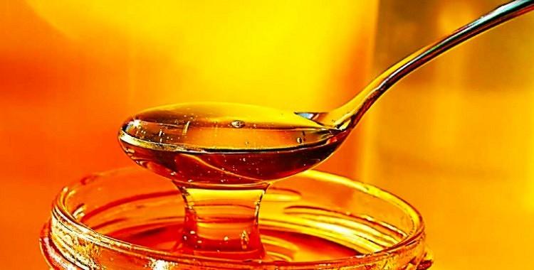 Kā uzzināt, vai medus nav viltots? Izmēģiniet šos vienkāršos līdzekļus!