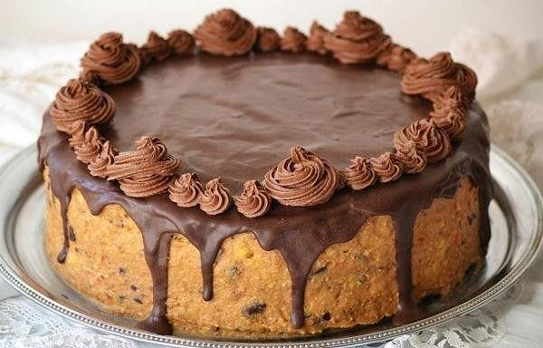 """Grezna torte """"Melnā maģija"""" ar kefīru un kafiju"""