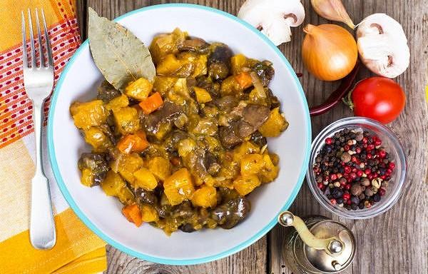 Dārzeņu ragū ar ķirbi un sēnēm.  Šī recepte var kalpot kā lieliska gavēņa maltīte!