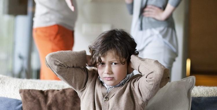 Vecāki! Neiesaistiet bērnus ģimenes strīdos