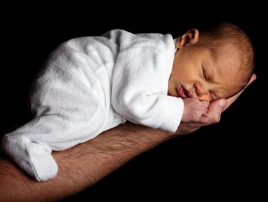 Zīdaiņu un bērnu miega īpatnības