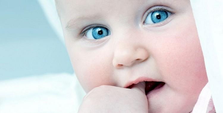 Kā atradināt bērnu no īkšķa sūkāšanas