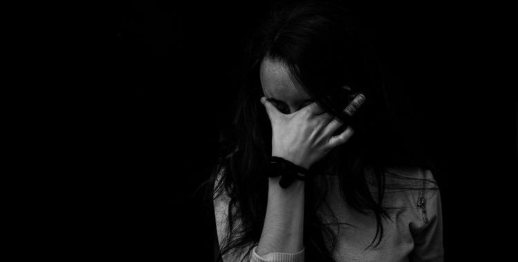 Kā pārvarēt zaudējuma sāpes