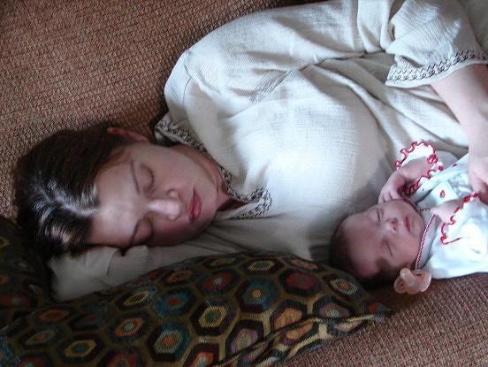 Jūsu bērns guļ ar jums vienā gultā? Izlasiet šo rakstu!