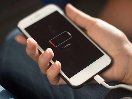 Tā ir lielākā kļūda, kuru varat pieļaut, uzlādējot savu iPhone