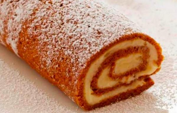 Saldā rulete no četrām sastāvdaļām. Ļoti gards deserts, kuru varat pagatavot piecās minūtēs Vienkārši un garšīgi!