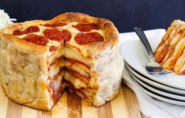 Lielā pica. Ar šo picu tu pabarosi veselu armiju! Pat iedomāties nevari, cik tā vienkārša.