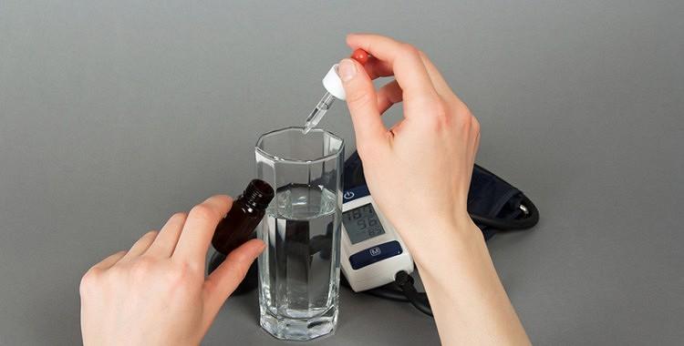Kā kontrolēt asinsspiedienu