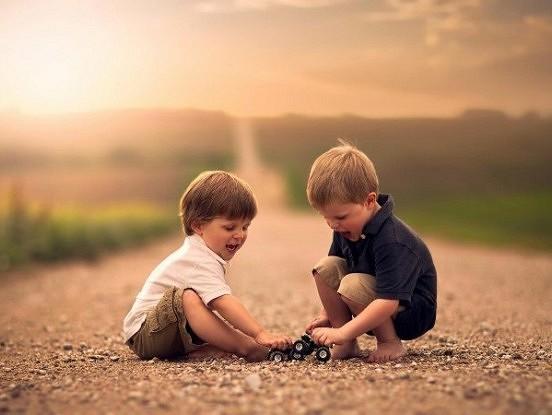 Kā mazulim iemācīt empātiju