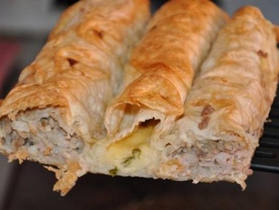 Slinkie turku bureki ar malto gaļu un sieru
