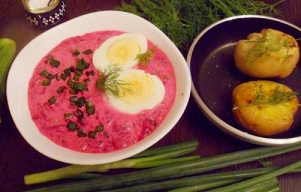 Aukstā zupa ar apceptiem kartupeļiem