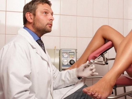 Māte aizveda savu 16 gadus veco meitu pie ginekologa, bet ārsta reakcija pēc apskates… unikāla!