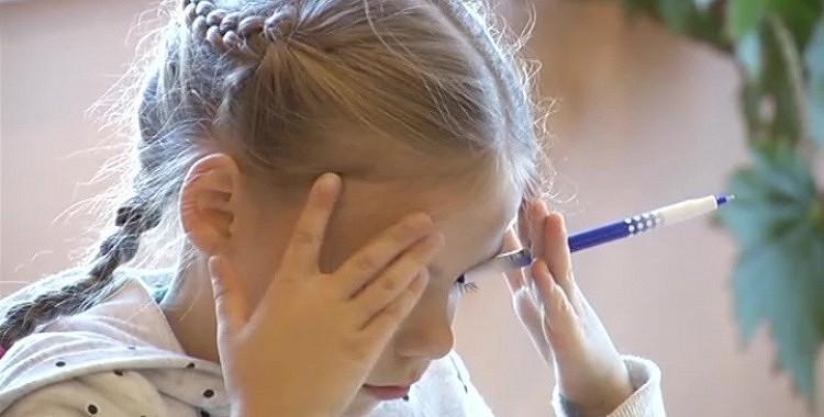 """Mammu: """"Es negribu vakaros pildīt skolas mājasdarbus."""" Tas uzrunāja tūkstošus!"""