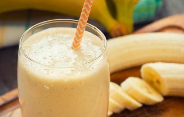 Banāna un kanēļa tēja bezmiegam