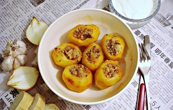 Tradicionālais arābu Batata Manshi. Garšo lieliski