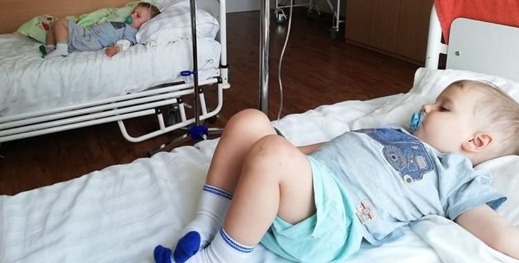 Kādas māmiņas visi bērni saslimst ar rota vīrusu. Sieviete tagad brīdina ikvienu un aicina ievērot šīs lietas