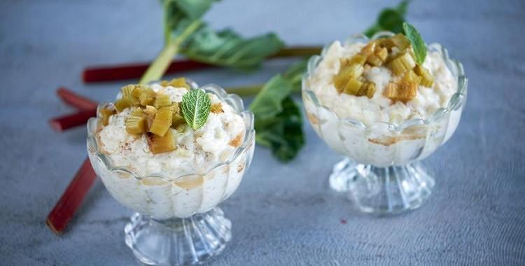 Rīsu deserts franču gaumē ar ceptiem rabarberiem