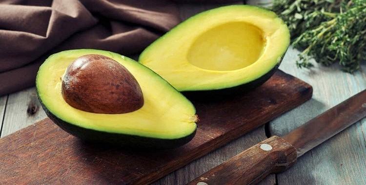 10 iemesli kāpēc katru dienu jāapēd viens avokado