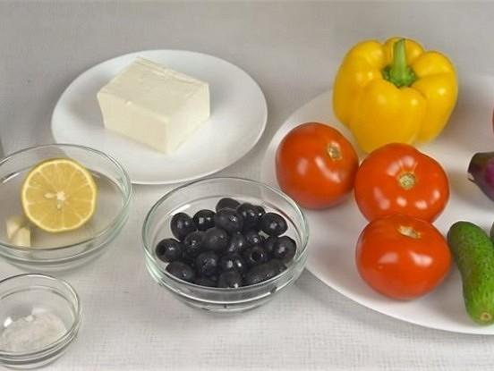 5 bezgala gardas salātu mērces. 10 minūtes un gatavs!