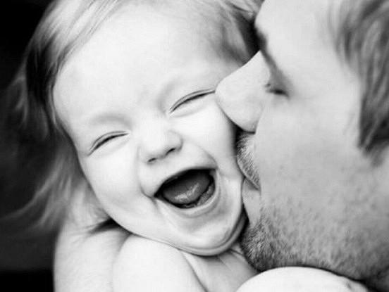 Kā vecāki ietekmē bērnu attiecības ar pretējo dzimumu