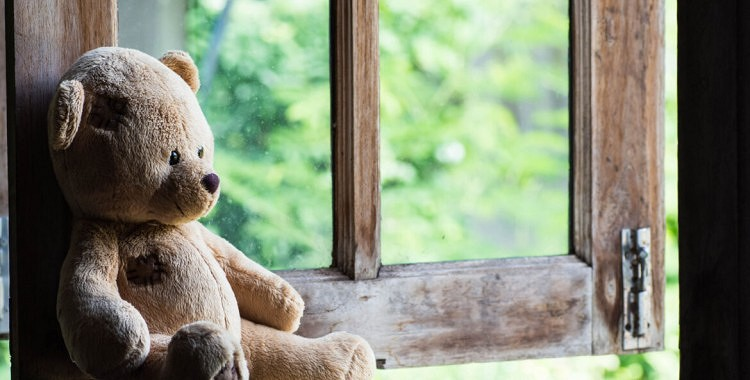 Palīdzību lūdz 3 bērniņiem, kuri zaudējuši mammu un tēti, lai viņus neieliktu bērnu namā