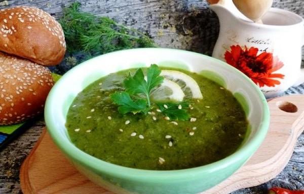 Zaļā gaspačo zupa