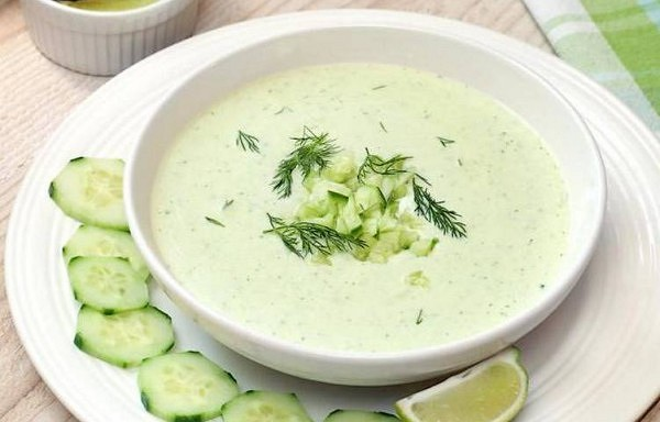 Aukstā gurķu – jogurta zupa