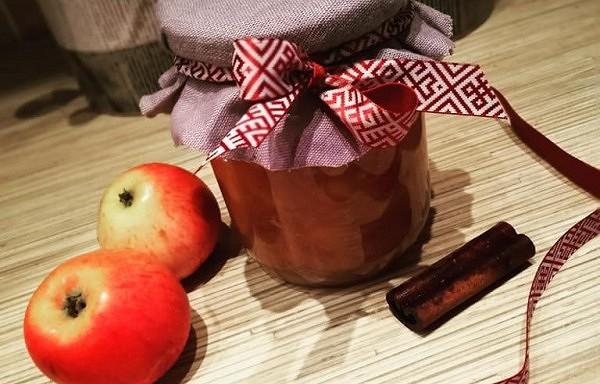 Ābolu - persiku ievārījums