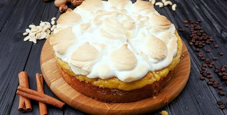 Citronu torte ar bezē