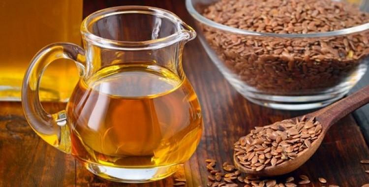 Kāpēc vajadzētu ēst medu ar linsēklām