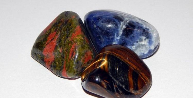 Pieci akmeņi, kas piesaista naudu un veiksmi