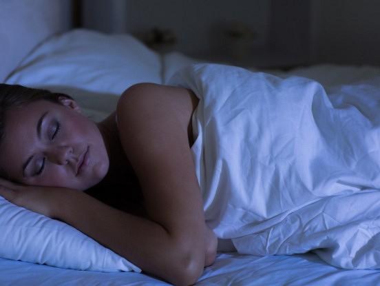 Iemācieties aizmigt minūtes laikā