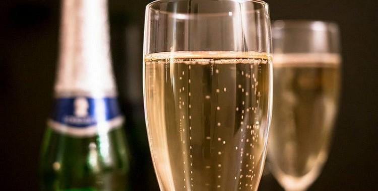 Šampanietis uzlabo atmiņu
