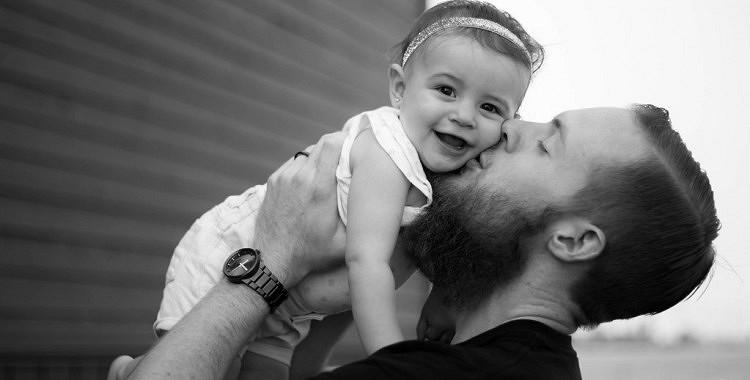 Tētis ietekmē meitas dzīvi vairāk kā mamma. Mammai nav pa spēkiem aizstāt vienīgo un nozīmīgāko vīrieti meitas dzīvē