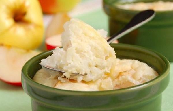 Rīsu pudiņš ar biezpienu un āboliem