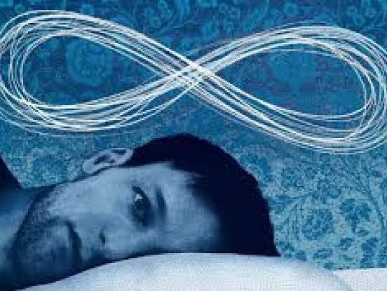 Vai jums mēdz būt tā, ka pamostoties nevarat  pat pakustēties? No tā neviens nav pasargāts