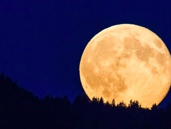 13 pilnmēneši, 2 supermēneši un Zilais mēness – un tas viss šogad!