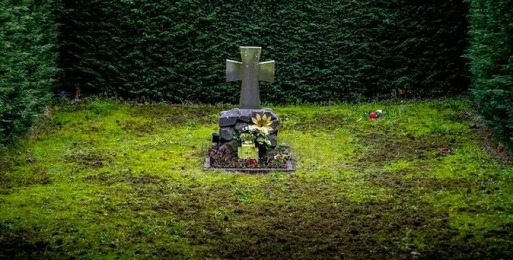 Kā kapsētā palūgt palīdzību aizgājušam radiniekam