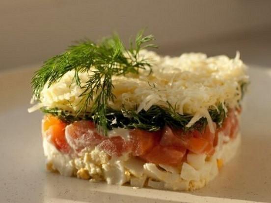 Salāti ar sieru, lasi un olu