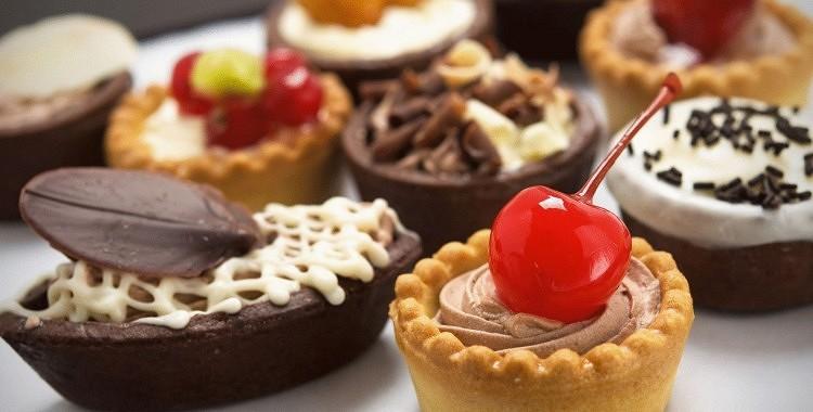 Kā pārvarēt kāri pēc saldumiem