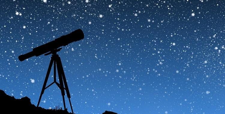 Kāpēc mirdz zvaigznes?