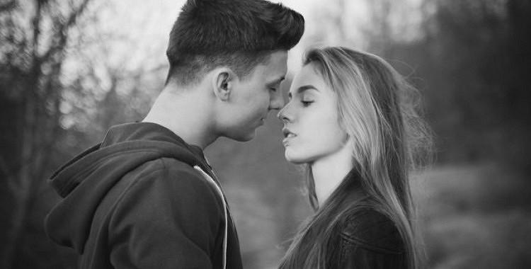 8 pazīmes, ka jums vajadzētu mēģināt vēlreiz ar savu bijušo, kuru jūs joprojām mīlat