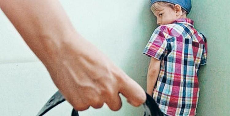 Bērnus sist ir aizliegts: stingrās audzināšanas sekas